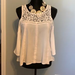 WHITE LACE PEEK A BOO SHOULDER BLOUSE